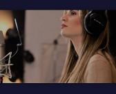 Σιμέλα Χριστοπούλου: Στο νέο της cover διασκευάζει Γλυκερία (video+photos)