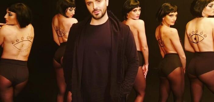 Νίκος Δούρος: Ο τραγουδιστής που προκαλεί αίσθηση με τη φωνή και το ταλέντο του